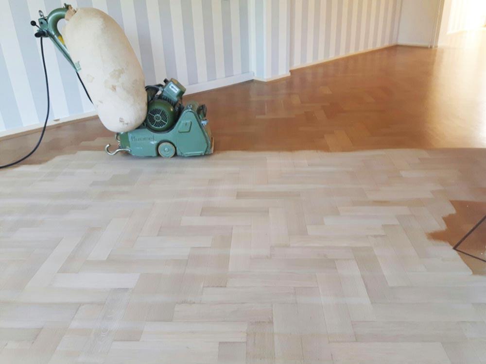 Vloer renoveren vloer schuren en aflakken groningen tapijthal